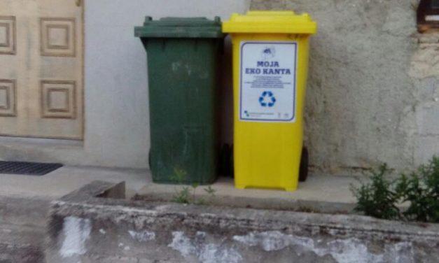 Selekcija otpada na mjestu nastanka u domaćinstvima, nabavkom kanti za izdvajanje korisnog otpada